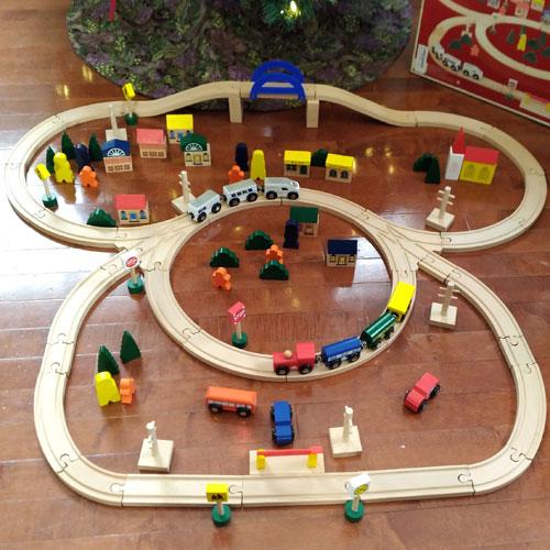 Battat Deluxe Train Set