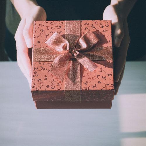 Image Credit Porapak Apichodilok (Pexels) Gift